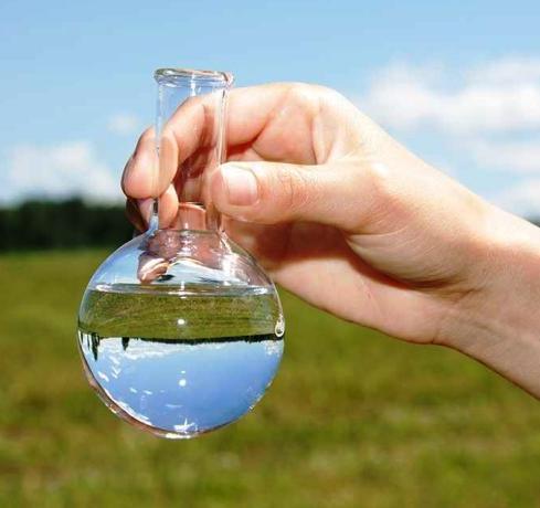 Вода после очистки от нефтепродуктов