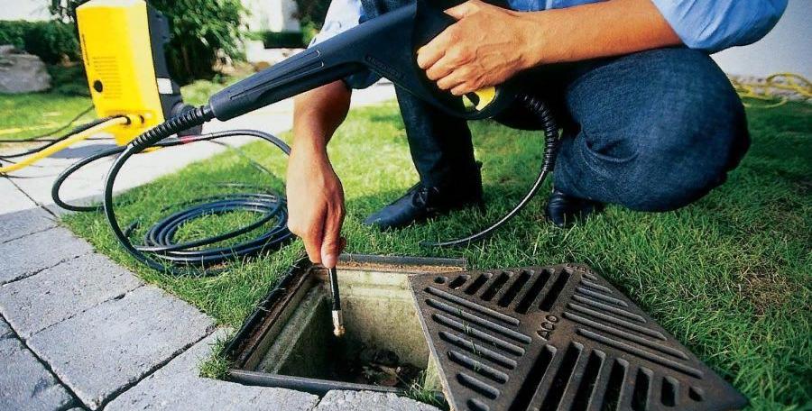 Когда нужно чистить ливневую канализацию